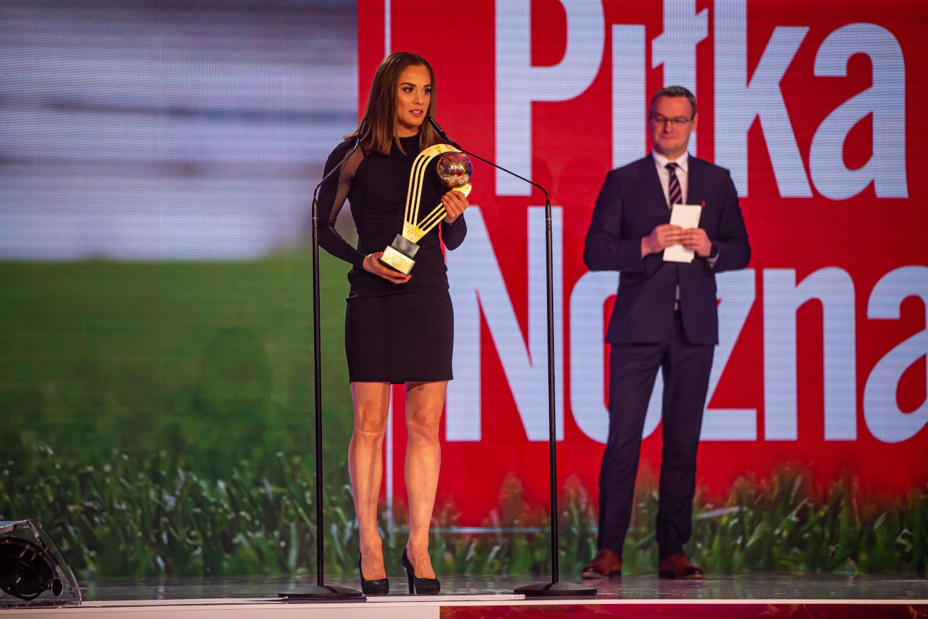 """Ewa Pajor po raz drugi została wybrana piłkarką roku w plebiscycie tygodnika """"Piłka Nożna"""""""